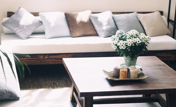 6 Ways to Attain the Perfect Living Room Balance