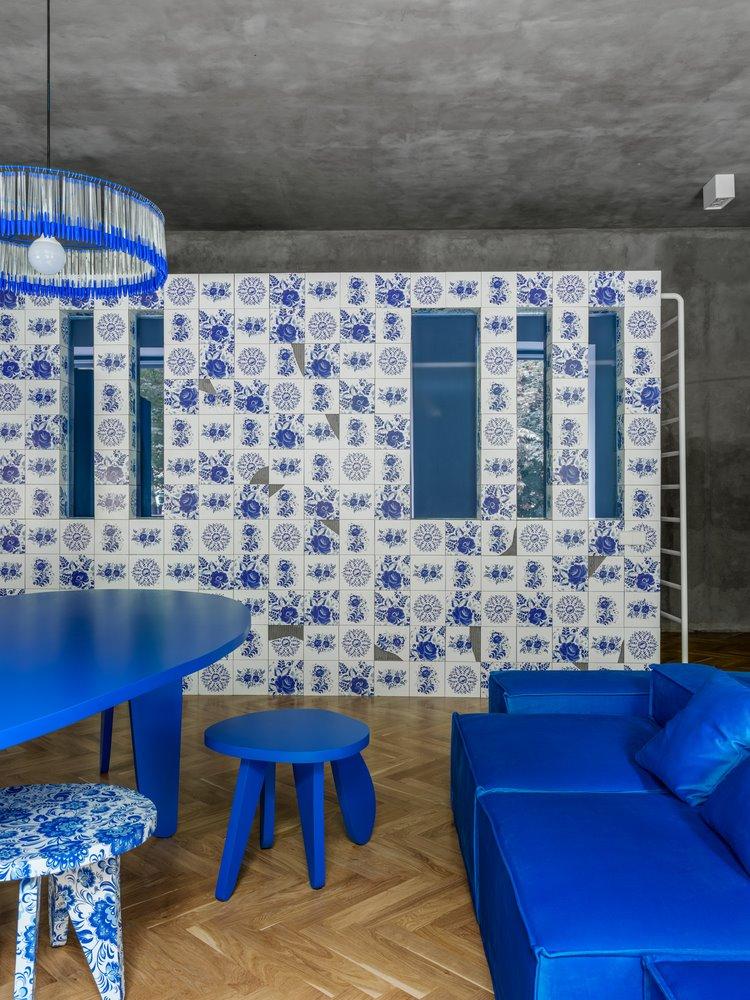 Amazing white an blue studio apartment