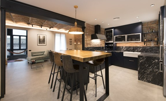 Contemporary Industrial Style Flat with Some Vintage Touches in Barcelona