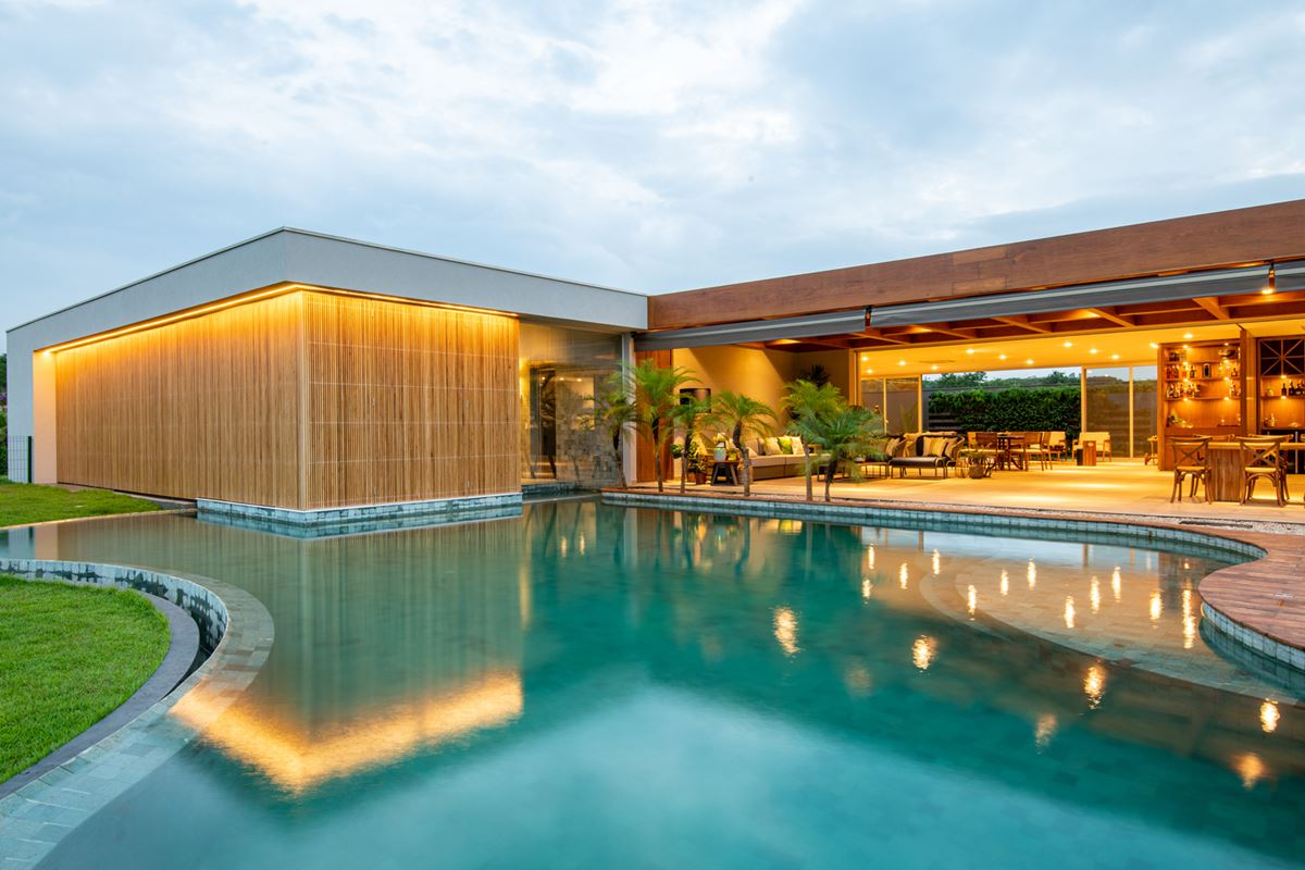 LLP House in Brazil - pool view