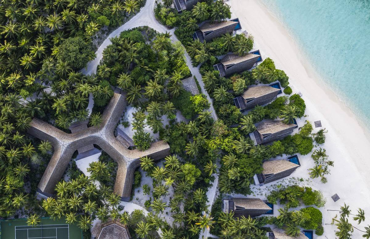 St. Regis Maldives Vommuli Resort - the jungle