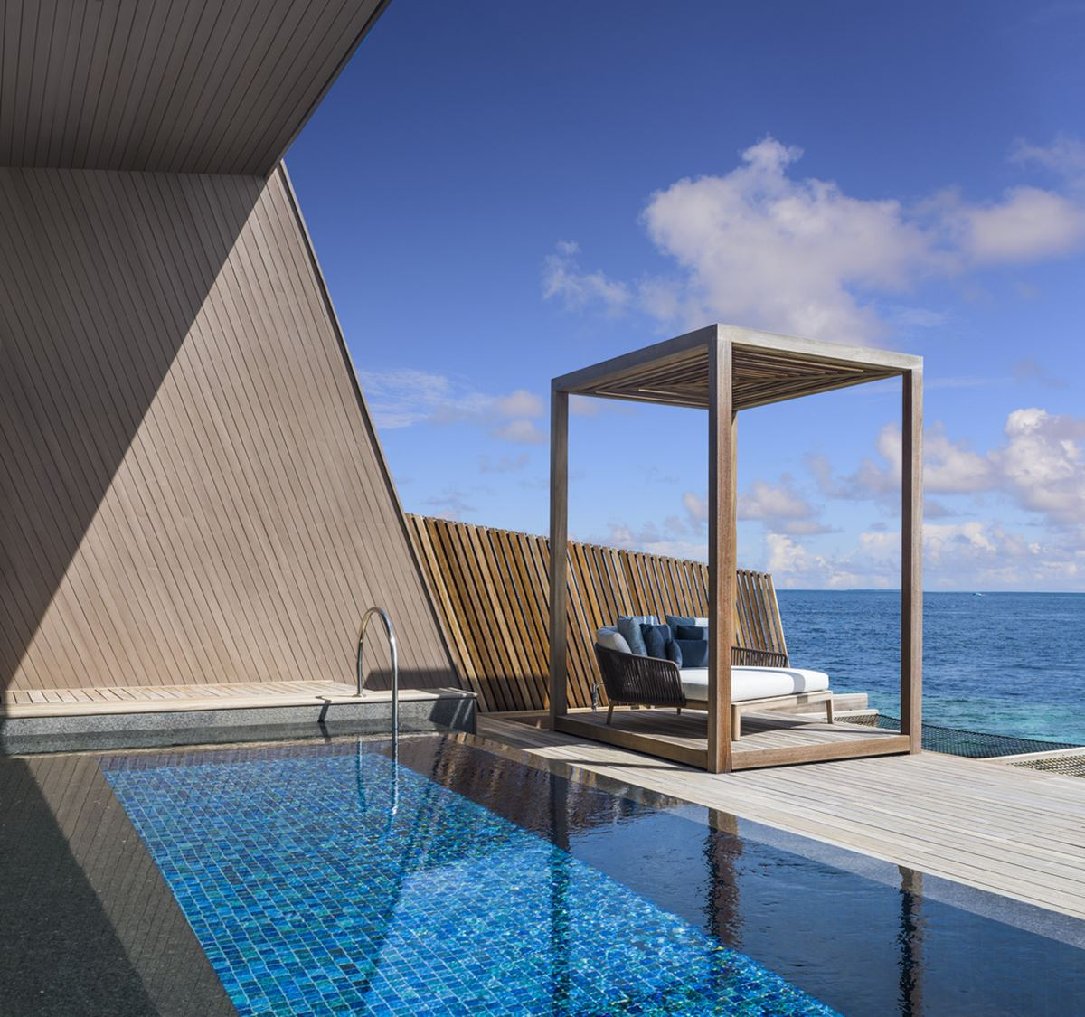 St. Regis Maldives Vommuli Resort - provate pool