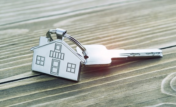 Renting vs Buying a Home: The Benefits of Each