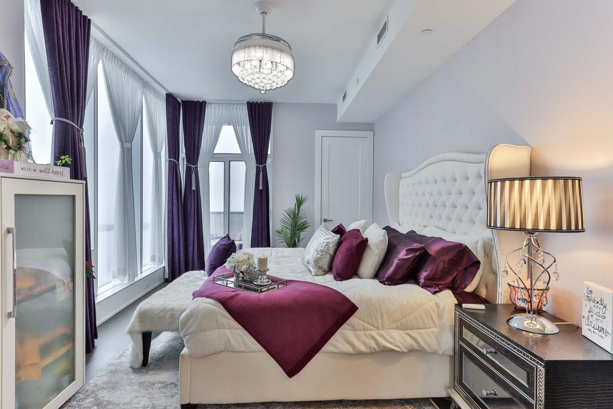 Elegant and relaxing bedroom